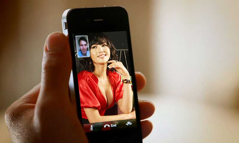 Женщин для своей службы секса по телефону (или, точнее, по видеофону